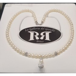 Le Nostre Creazioni -Collana Di Perle Bianche e Oro Con Sfera di Resina e Zirconi - CPBT13